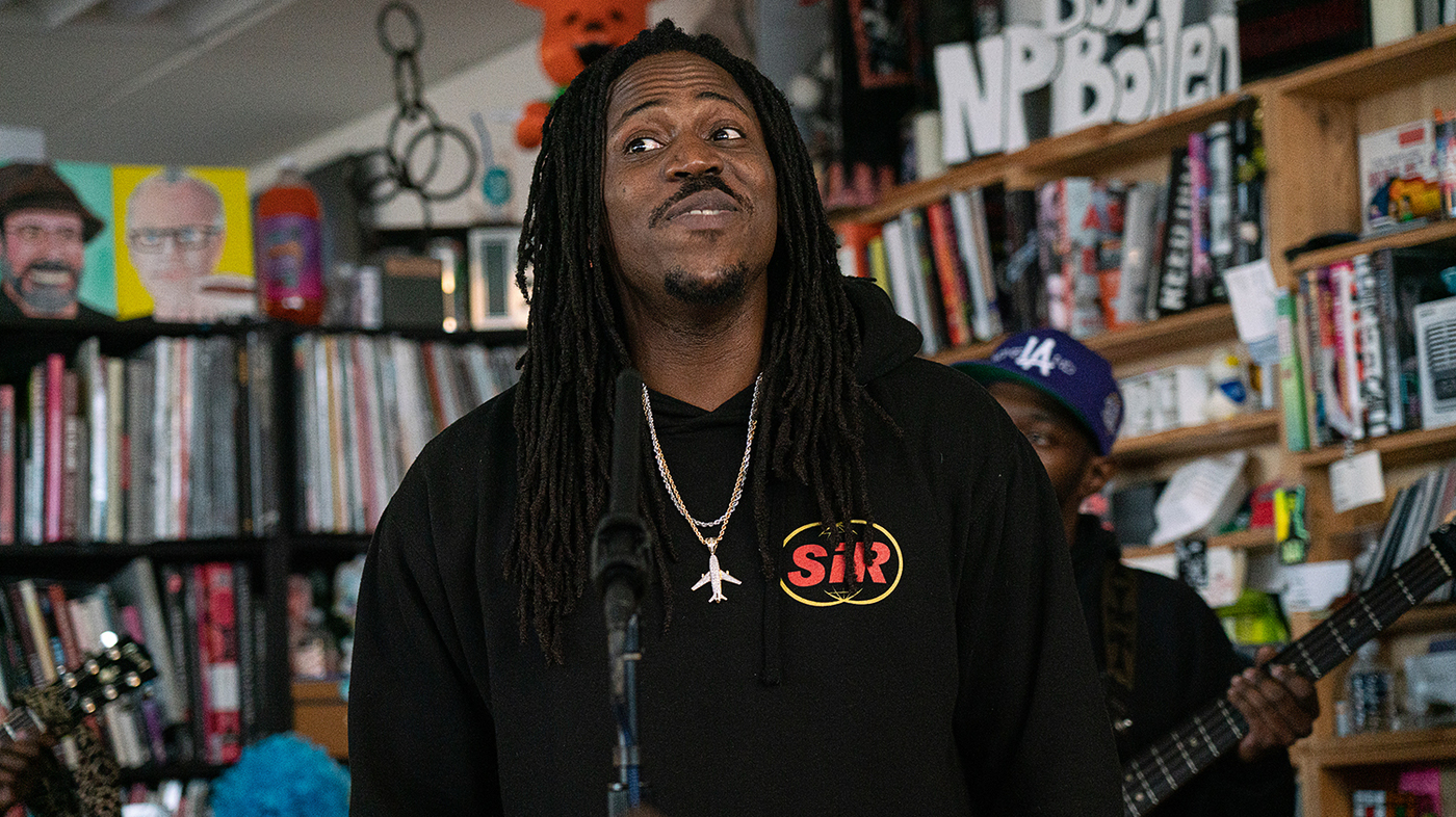 Watch TDE's SiR Pour His Heart Out In Emotional New Tiny Desk Concert - This Song Is Sick