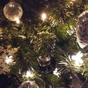 tree-decorations-2016