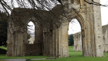 glastonbury-abbey-7