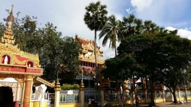 Dharmikarama Burmese temple entrance 2