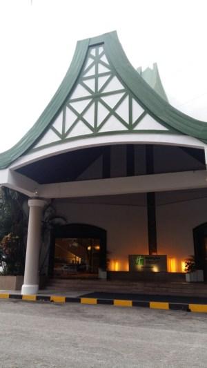 Holiday Inn Penang tower front