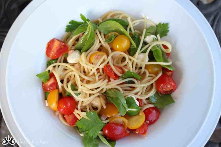 Spaghetti With Marinated Tomatoes And Mozzarella