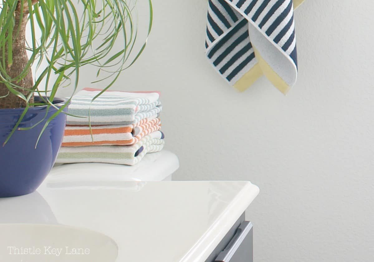 Fun Ways To Accessorize A Bathroom