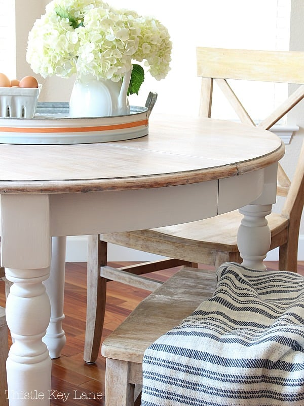 Painted apron and legs. DIY kitchen table makeover.