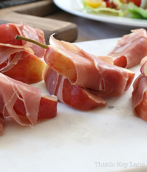 Prosecuitto wrapped apple and a thin slice of gouda. #easyrecipes #appetizerrecipes