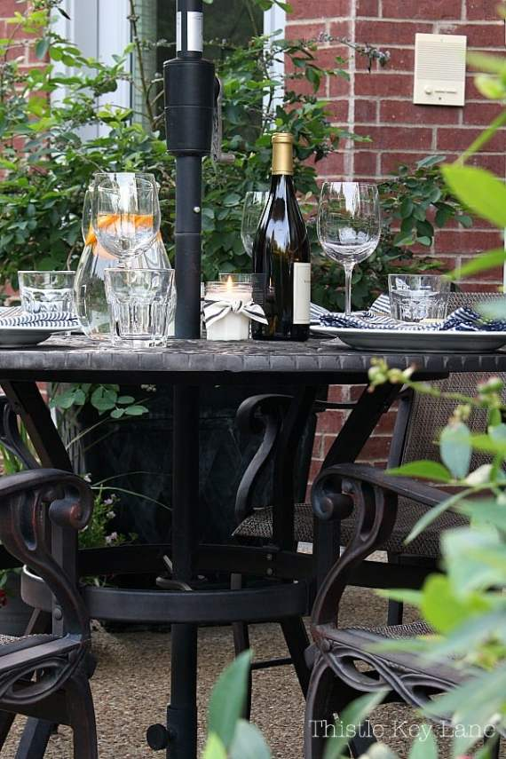Summer ready patio and garden tour with outdoor dining.