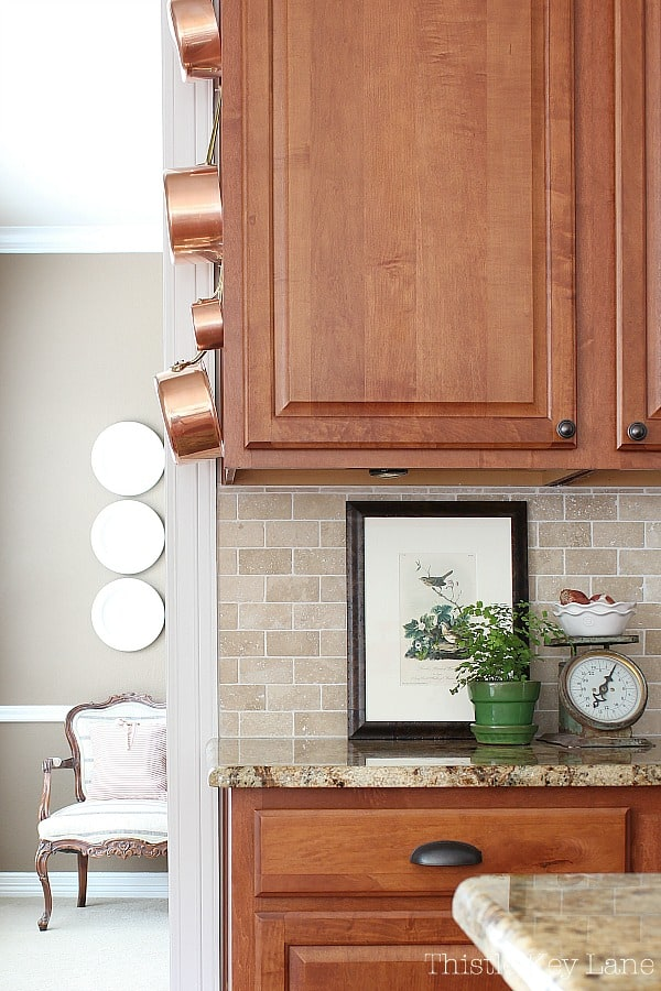 Transitioning Summer To Fall Kitchen Ideas with art.