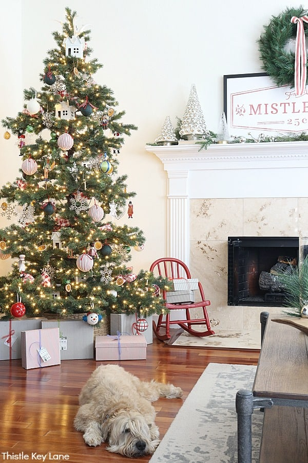 Christmas tree decorated with vintage ornaments - Christmas In The Kitchen And Family Room.