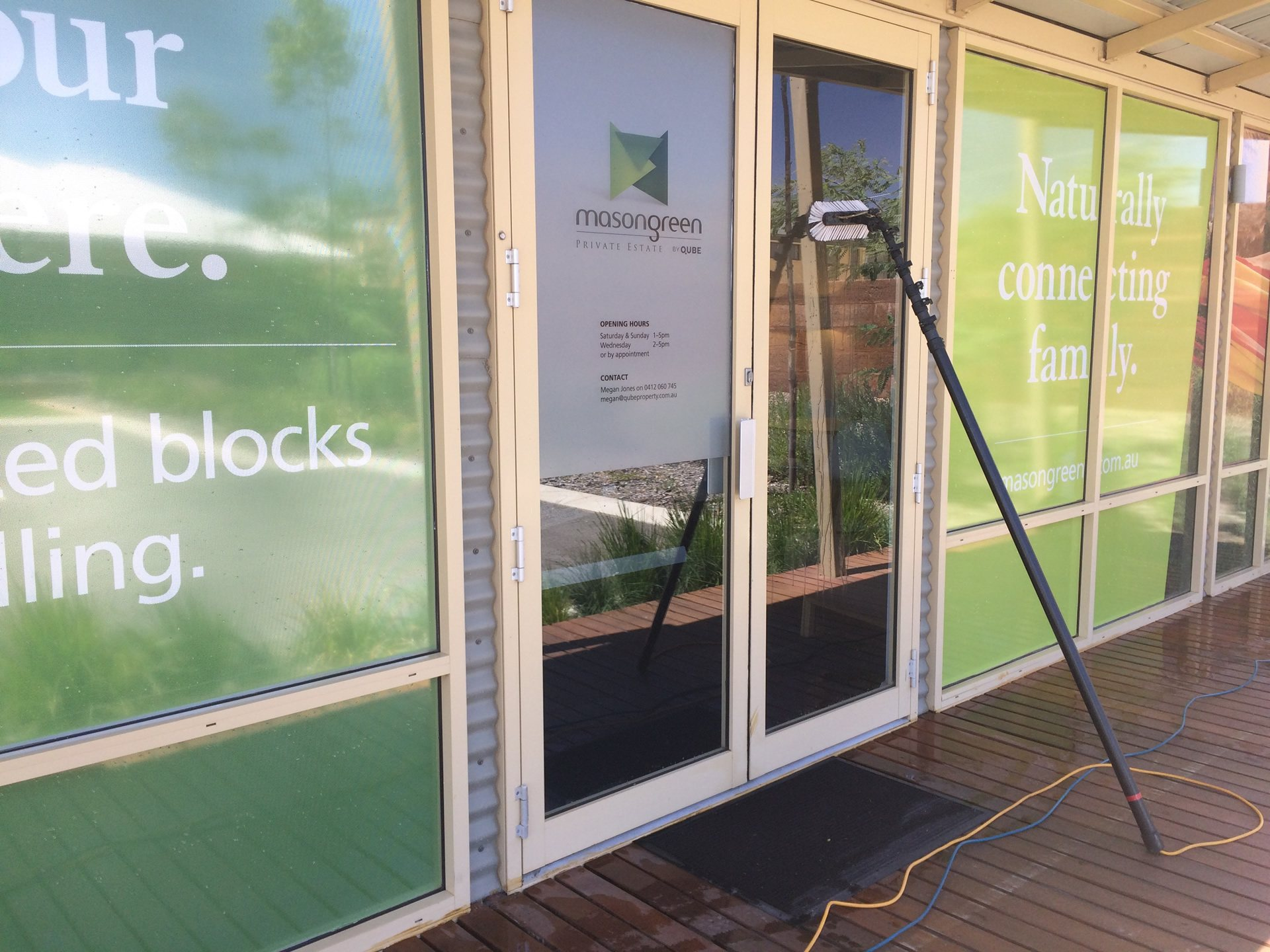Window cleaning real estate offices Perth