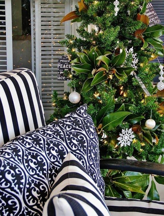 Farmhouse Screen-in Porch Christmas
