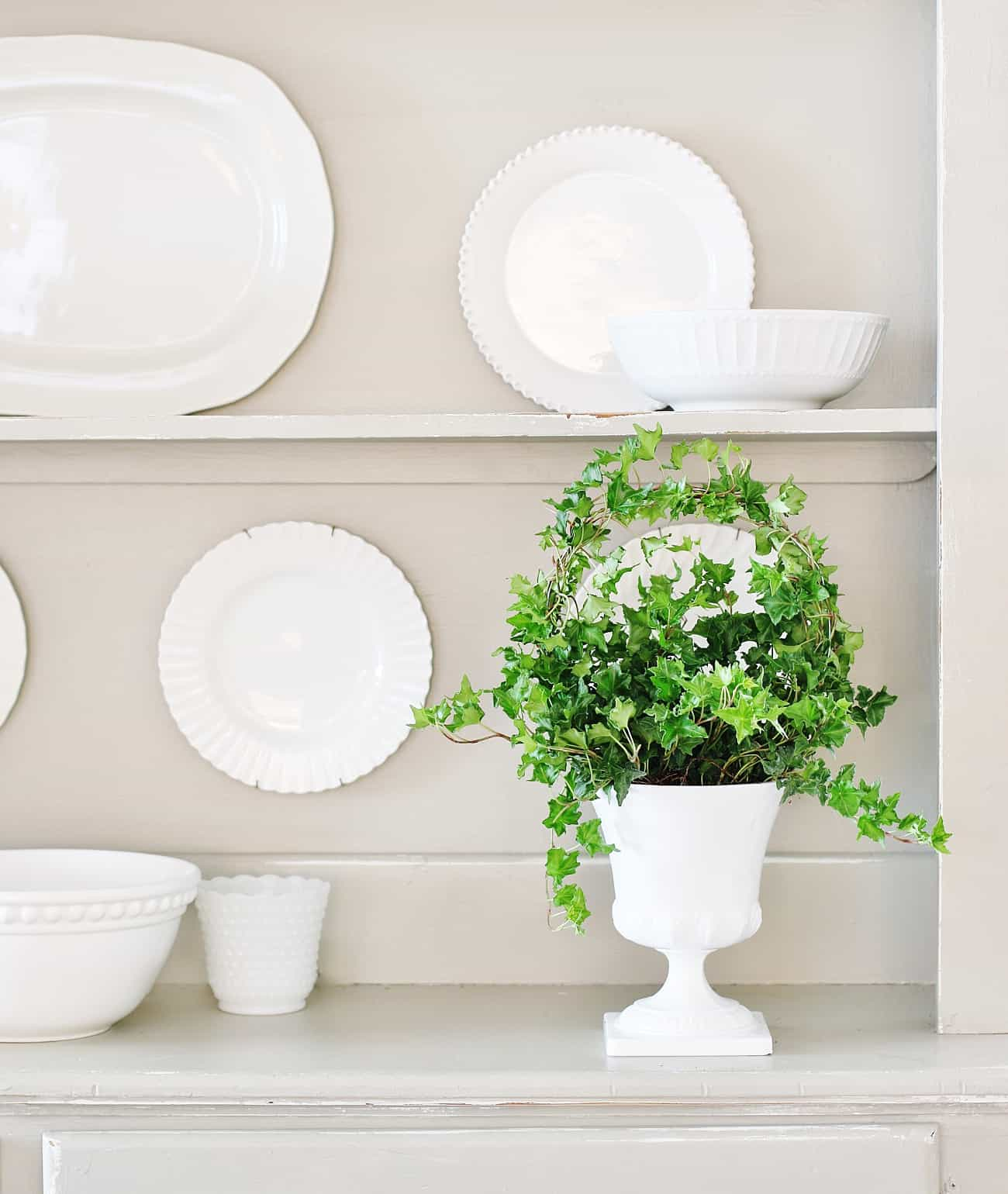 how decorate for spring topiary