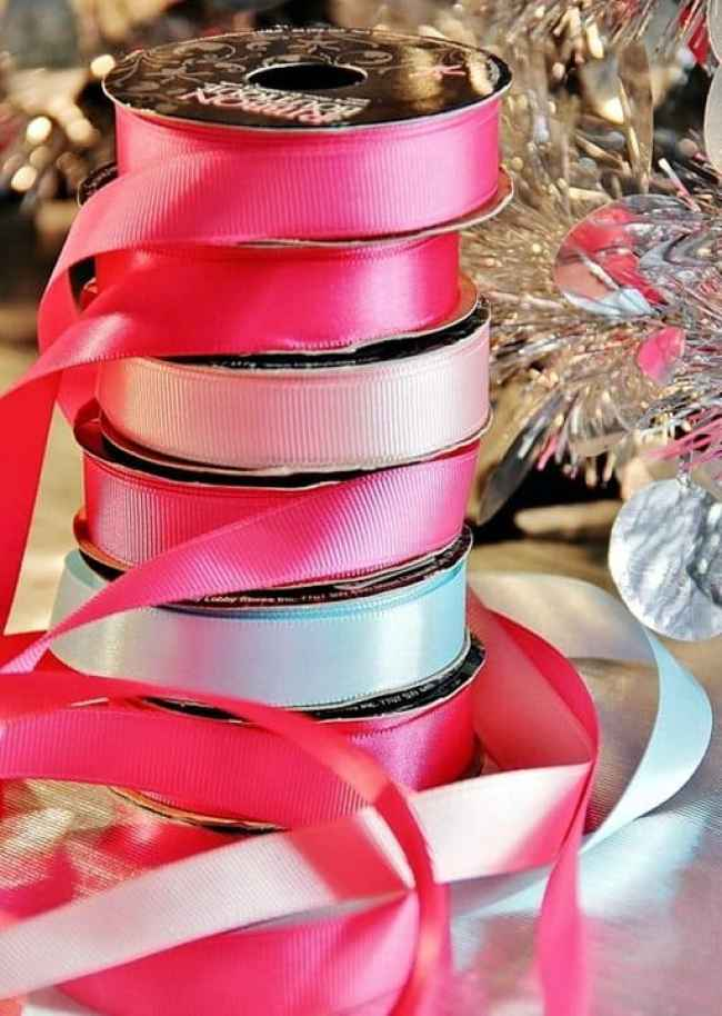 decorate a window with ornaments ribbon e1604202941613