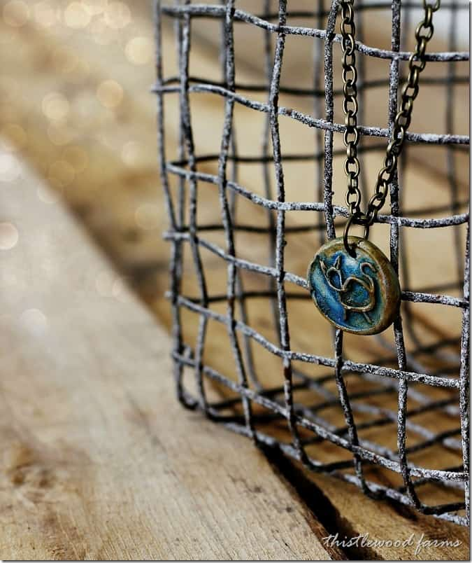 hobo-sign-necklaces-blue-cat