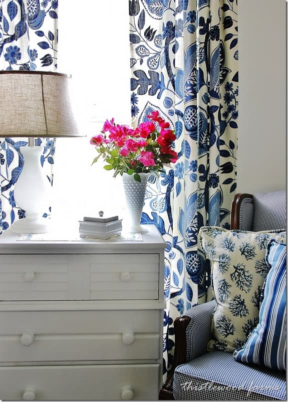 thistlewood-blue-and-white-room