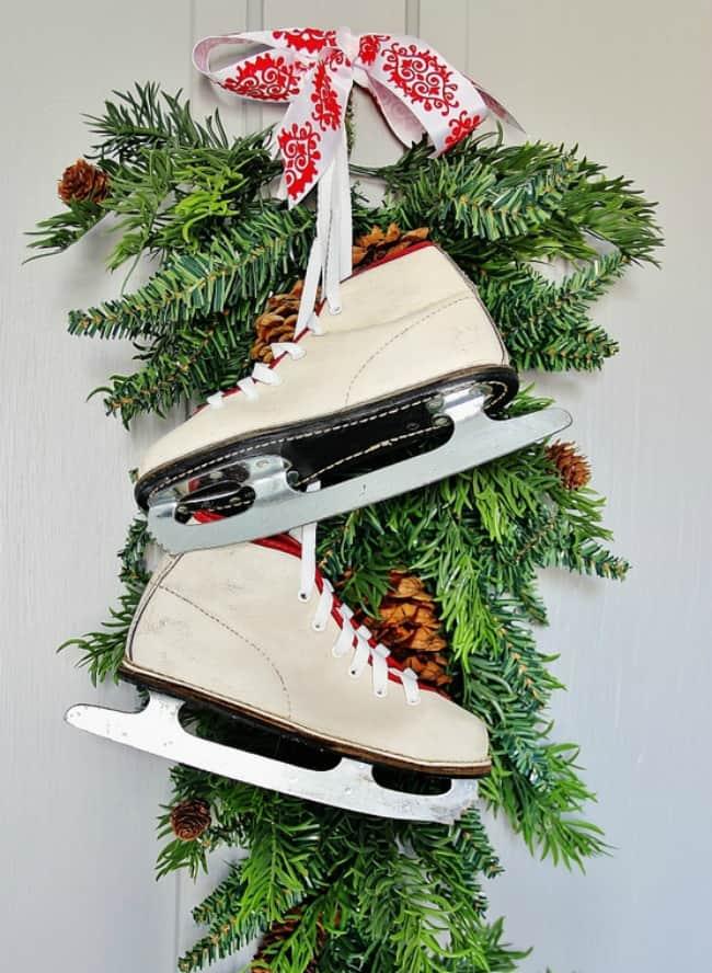 10 minute Christmas decorating ideas skates