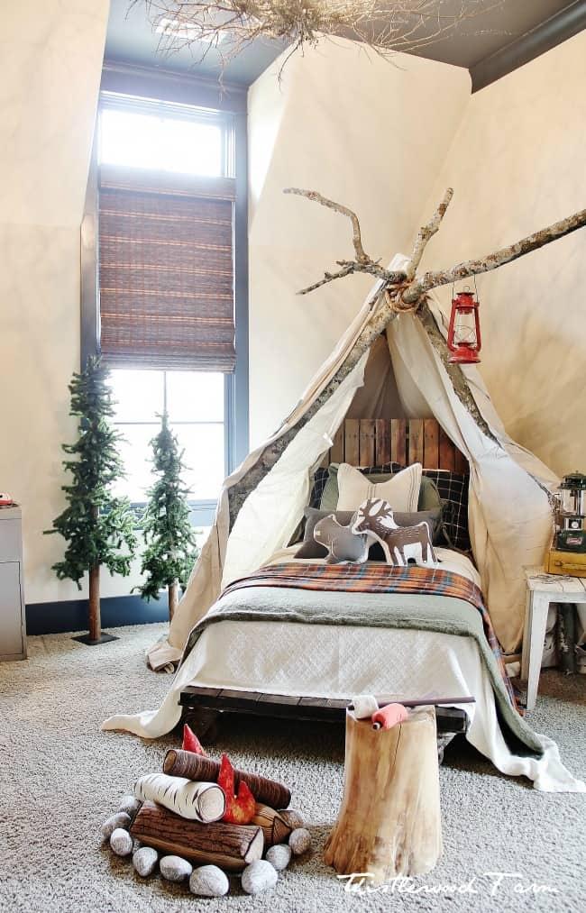 camping bedroom Christmas