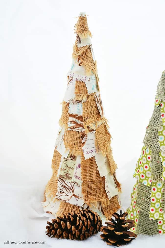 burlap-scrap-Christmas-tree-atthepicketfence.com_