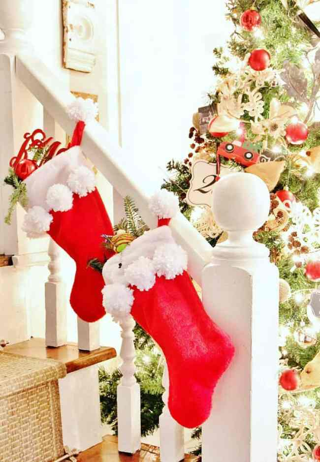 simple diy pom pom stocking project