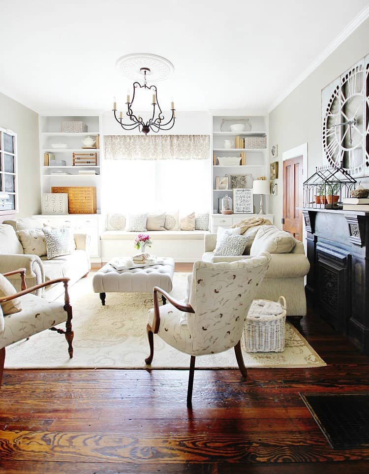 This family room embodies farmhouse style