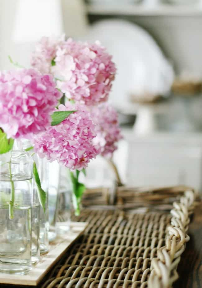 simple and inexpensive home decor hacks with hydrangeas and decorating