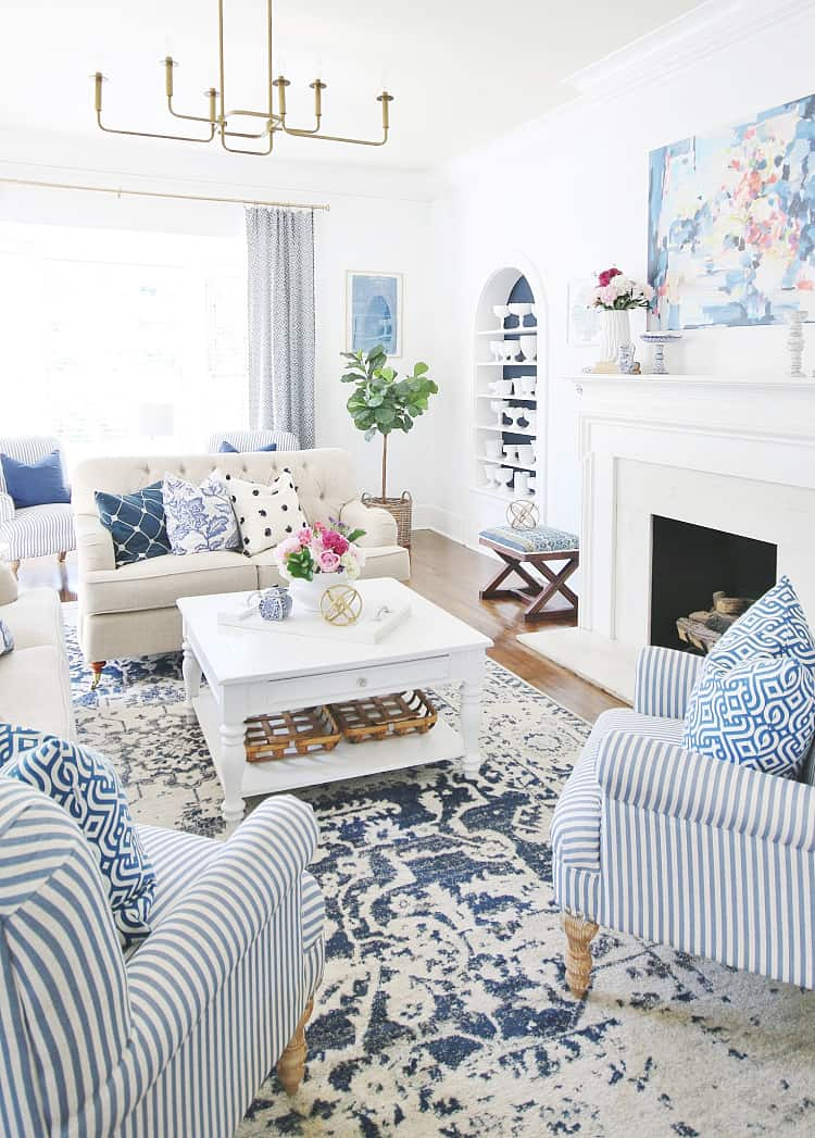decorating with lamps blue and white living room