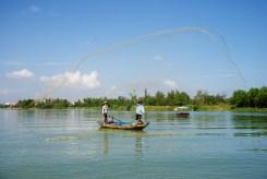 hero-throw-net-fishermen-on-river-hoi-an-vietnam-copyright-2015-ralph-velasco