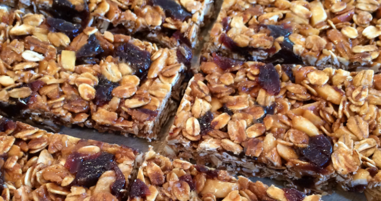 Crunchy Homemade Granola Bars