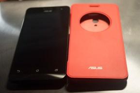 ASUSTek ZenFone 5 View Flip Cover と ZenFone 5 を並べてみた(表面