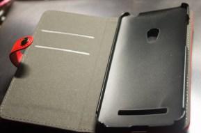 ZenFone5 A500KL ブックカバー・レザーケース単体。単体だと悪くない感じ。