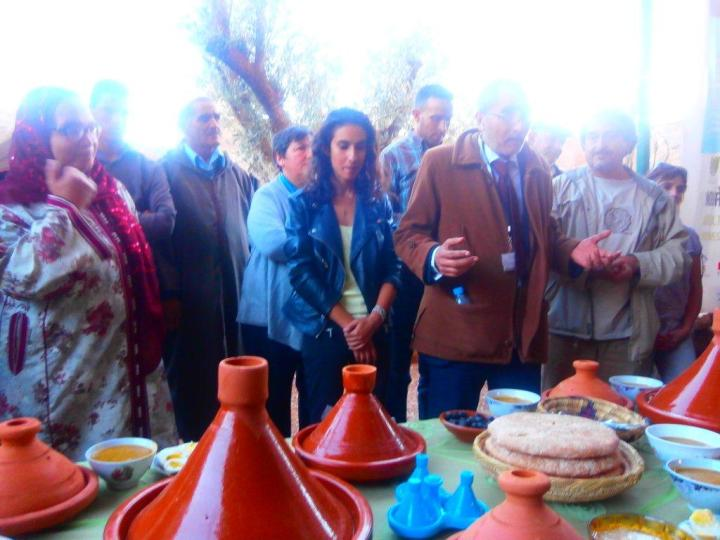 A la clôture du Forum de la Terre, le 14 novembre, au CIPA-Pierre Rabhi, les 3 associations Terre et Humanisme Maroc, RIAM et Orange Bleue remercient les participants pour avoir partagé ensemble, de superbes moments. Le rendez-vous est pris pour la seconde édition inchaallah