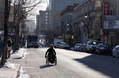 Montréal fin de l'hiver en fauteuil roulant