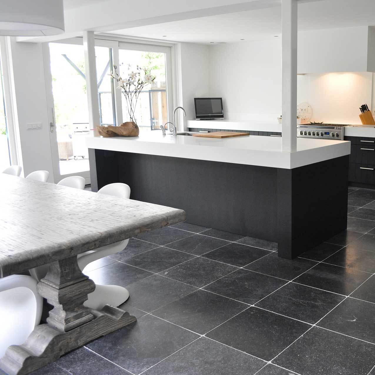 Belgisch hardsteen keukenvloer  TGWONEN