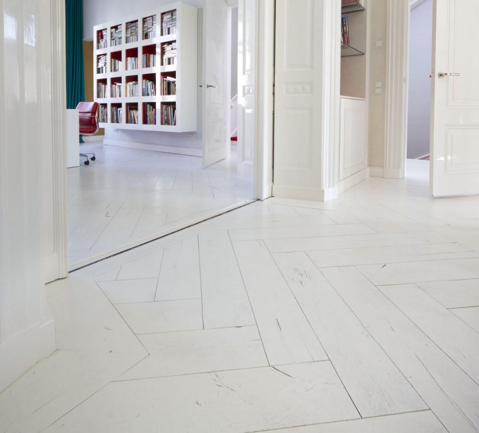 Witte houten vloer woonkamer  TGWONEN