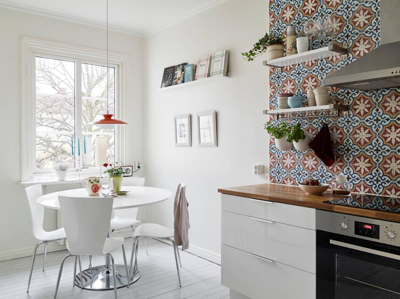 Portugese tegels in keuken  TGWONEN