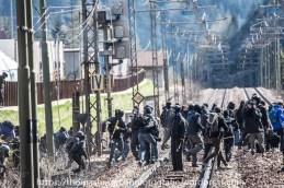 Ausschreitungen bei Demonstrationen gegen die Grenzkontrollen - 07.05.2016 (18 von 28)