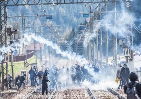 Ausschreitungen bei Demonstrationen gegen die Grenzkontrollen - 07.05.2016 (20 von 28)