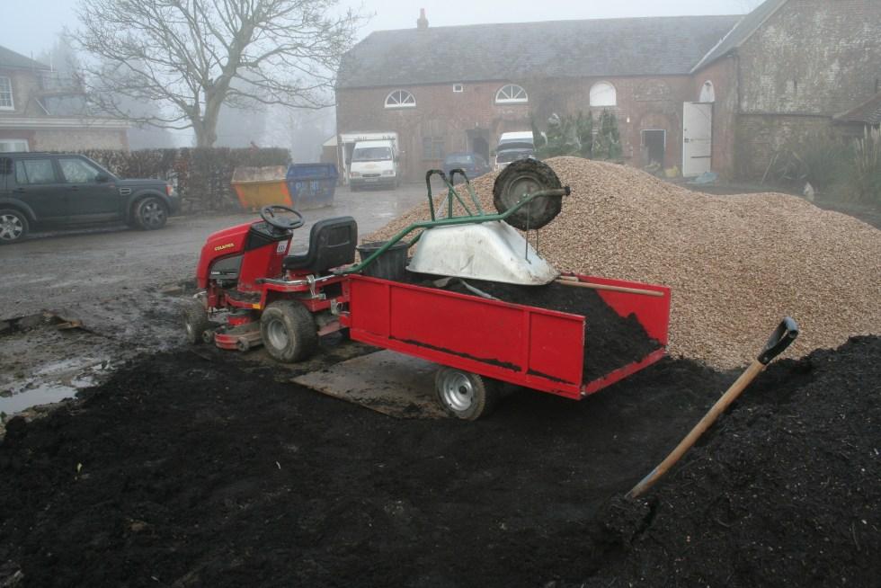 039 Job of the week applying a feeding mulch
