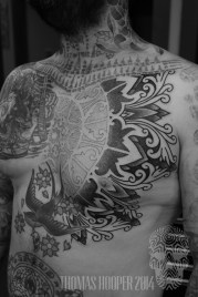 Alvaro Flores Borneo Ornament Dotwork Chest Tattoo Thomas Hooper Rock of Ages_-4
