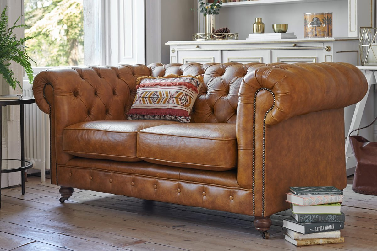 Lounge Couch Grand Chesterfield 3 Seater Leather Sofa - Sale Now On!