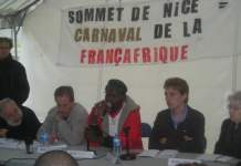A Paris en mai 2010 avec Gus Massiah (leader altermondialiste), Olivier Blamangin (CGT), Fabrice Tarit (SURVIE), Odile Biyidi (SURVIE) (photo Bruno Jaffré)