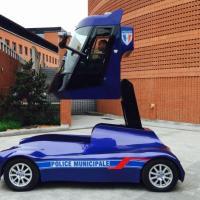 La police municipale d'Evry a testé la voiture qui monte, qui monte