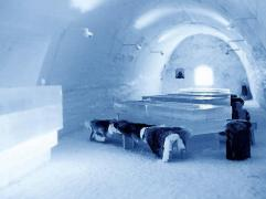 Restaurant LumiLinna Snowcastle, Kemi, Finlande (Manger dans un lieu glacé)