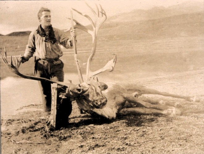Frank_Johnson_and_Caribou_(HS85-10-41210)