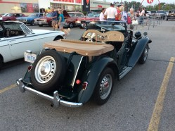 2018-Aug-27-Monday-Night-Cruise-MG-Car-Club-ThornhillCruisersCarsClub-24