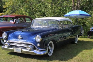 2019-Aug-11-Antique&ClassicCarShow-Whitchurch-Stouffville-Museum-ThornhillCruisersCarClub-10