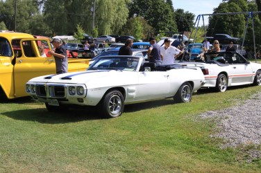 2019-Aug-11-Antique&ClassicCarShow-Whitchurch-Stouffville-Museum-ThornhillCruisersCarClub-55