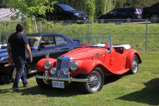 2019-Aug-11-Antique&ClassicCarShow-Whitchurch-Stouffville-Museum-ThornhillCruisersCarClub-59