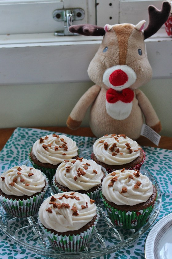 Gingerbread Cupcakes with Spiced Cream Cheese Frosting | Gluten Free | Thoroughly Nourished Life