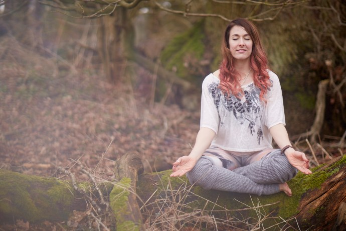 Rebecca-Keenaghan-JustRelaxYoga-article-for-thoselondonchicks-root-chakras