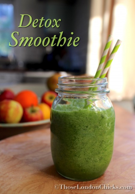 parsley-cucumber-celery-lime-green-apple-limekale-smoothie-ingredients-thoselondonchicks